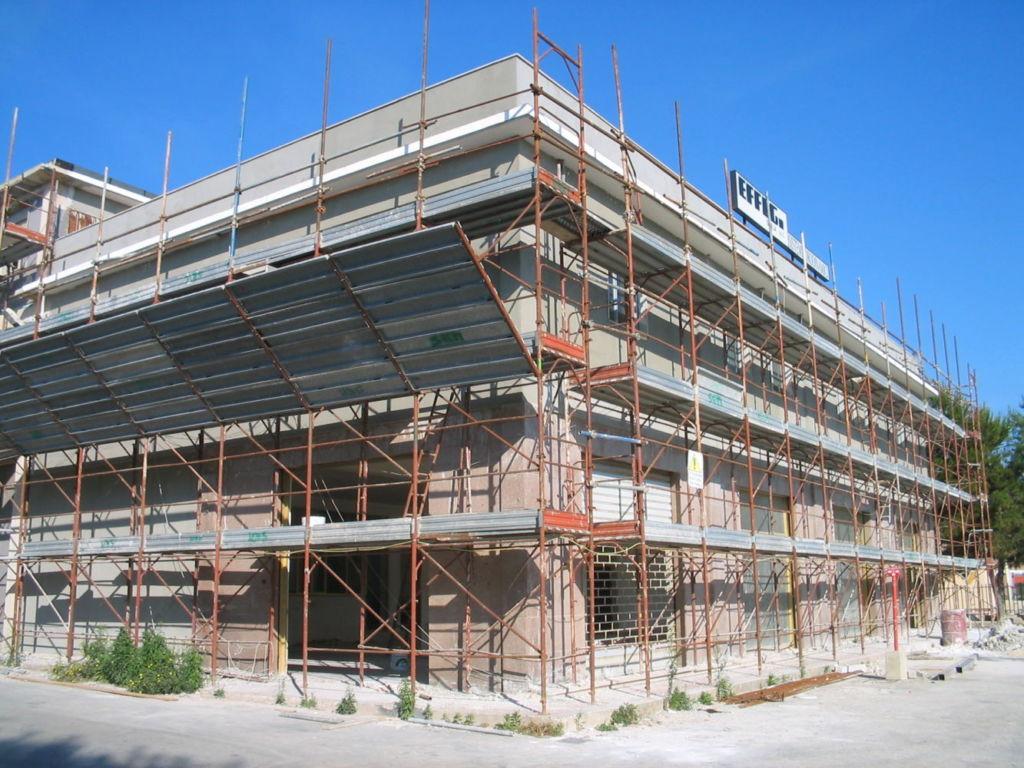 Ristrutturare capannone Siracusa - Montaggio ponteggi