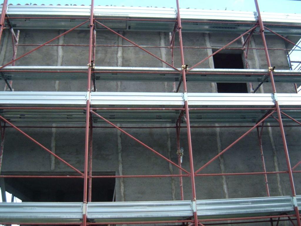 Costruzione villa - Completamento intonaci esterni